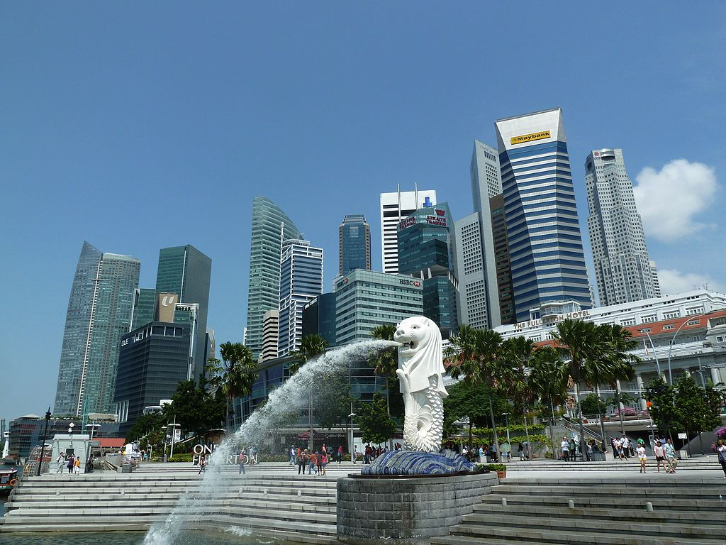 Merlion_statue,_Merlion_Park,_Singapore_-_20110723