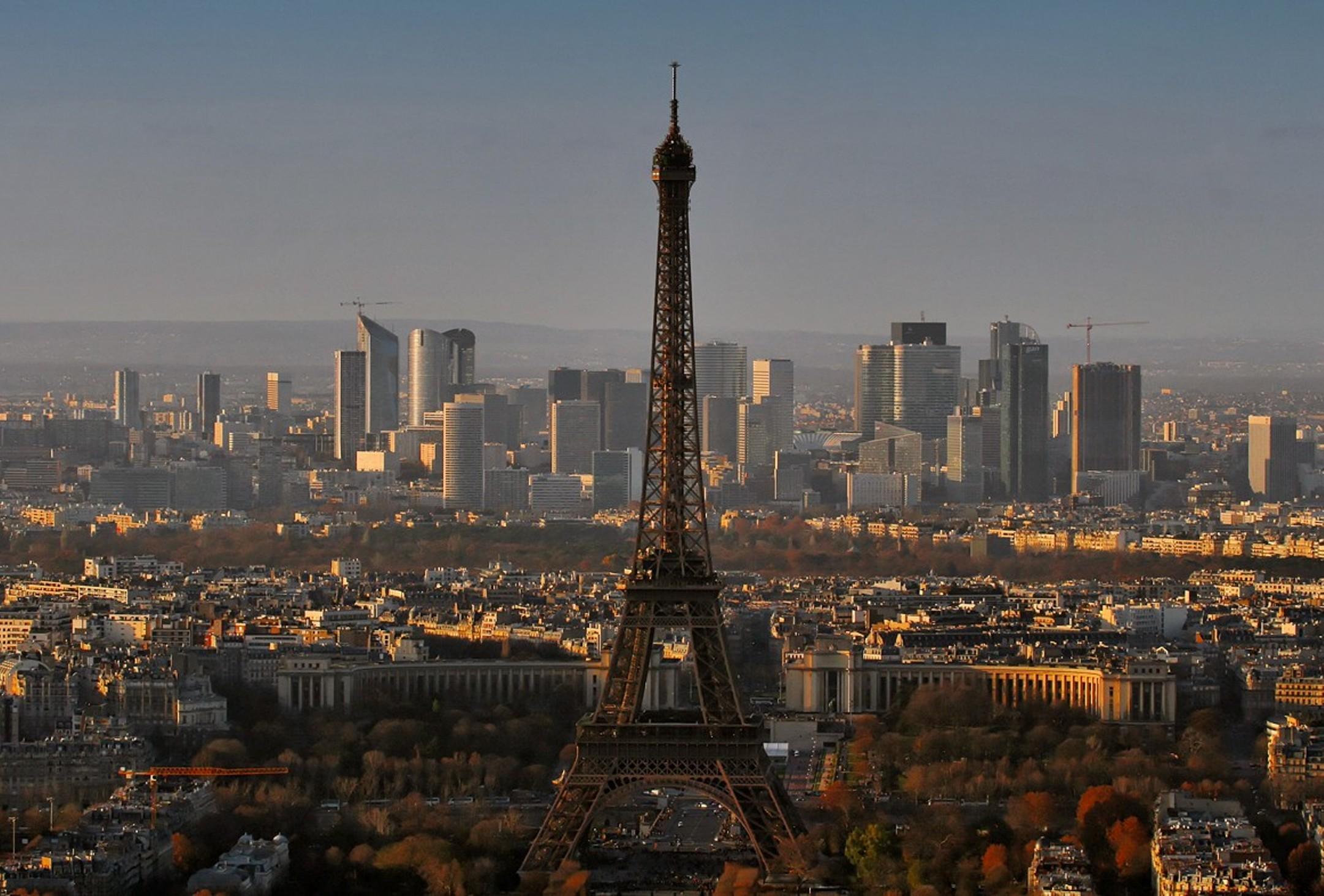 Panorama_Paris_December_2007